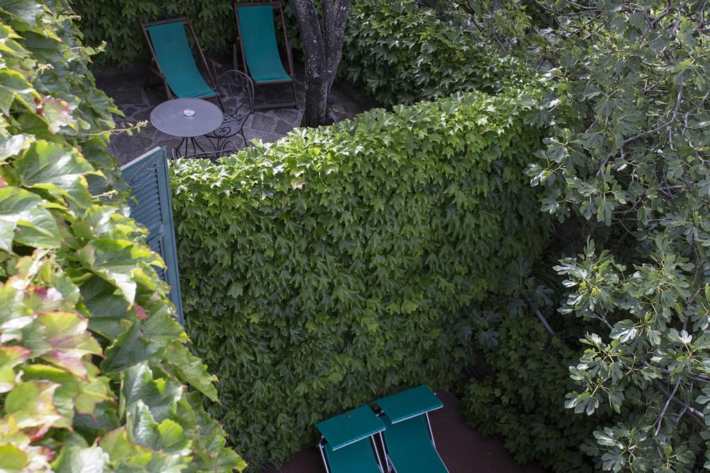 https://www.lacolonninacinqueterre.it/sito/wp-content/uploads/2014/07/camera_con_vista_05.jpg