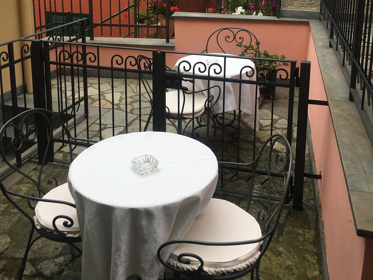 https://www.lacolonninacinqueterre.it/sito/wp-content/uploads/2019/06/camera_monterosso_familiare_01.jpg